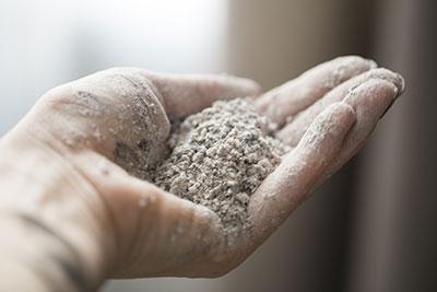 La poussière de silice cristalline, cancérogène
